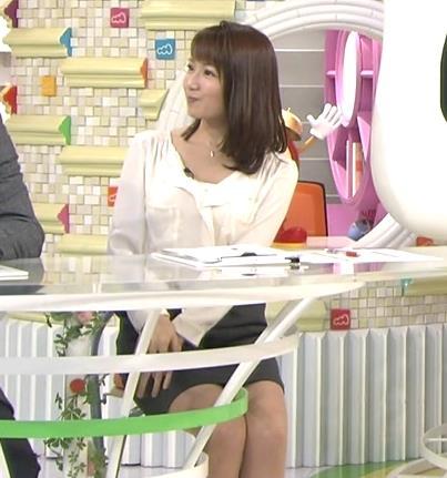 長野美郷 座るとそのミニスカートは短すぎない?