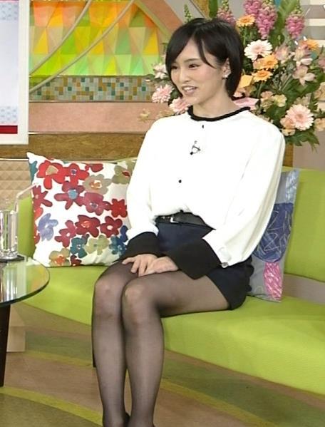 山本彩 短パン黒ストッキングキャプ画像(エロ・アイコラ画像)