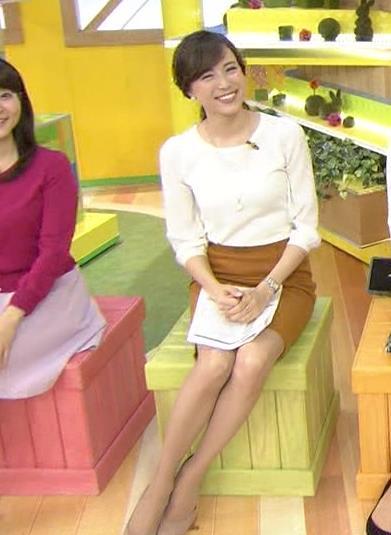 笹川友里 ミニスカート画像2