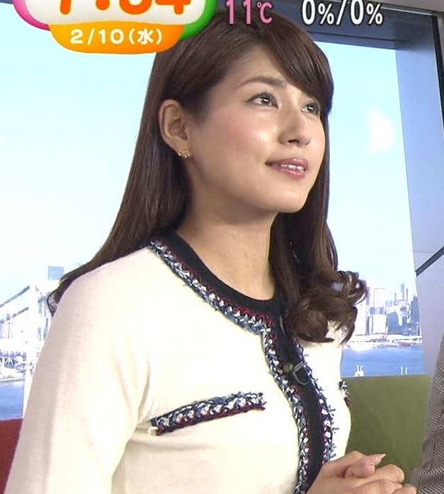 永島優美 縦の線がおっぱいを強調