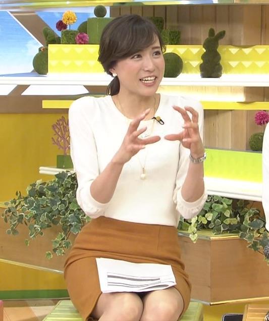 笹川友里 ミニスカ美脚