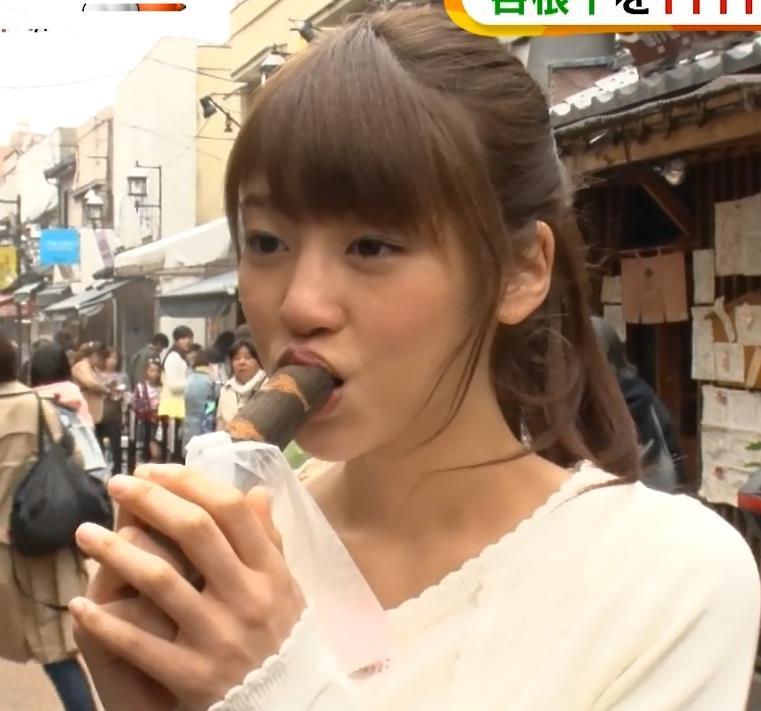 岡副麻希 棒状の物を食べて完全に疑似フェラキャプ画像(エロ・アイコラ画像)