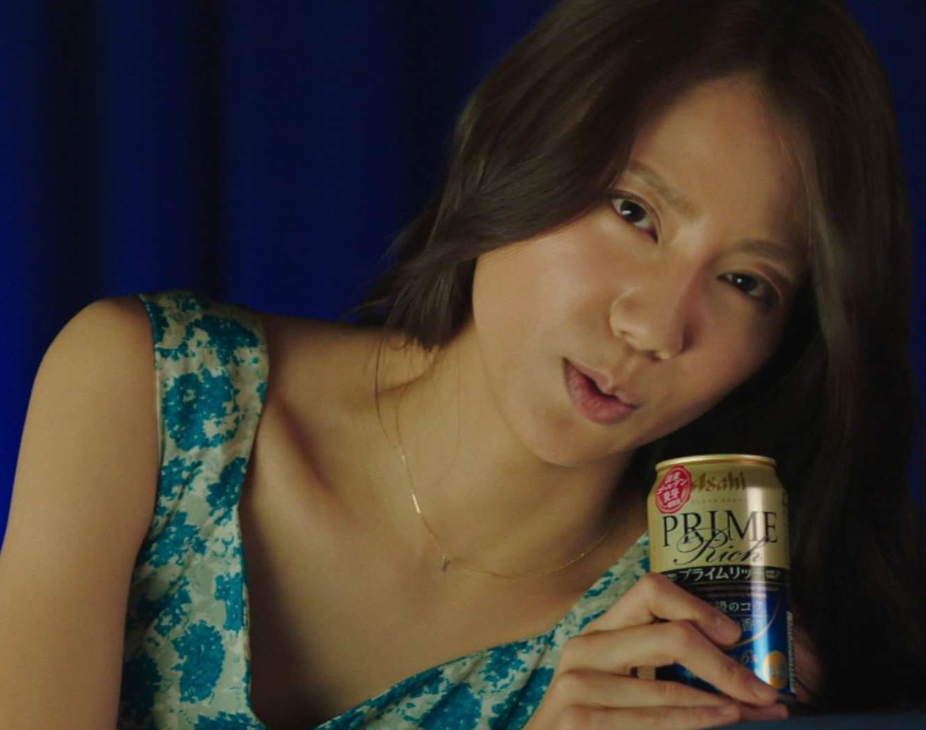 松下奈緒 色っぽいビールのCMキャプ画像(エロ・アイコラ画像)