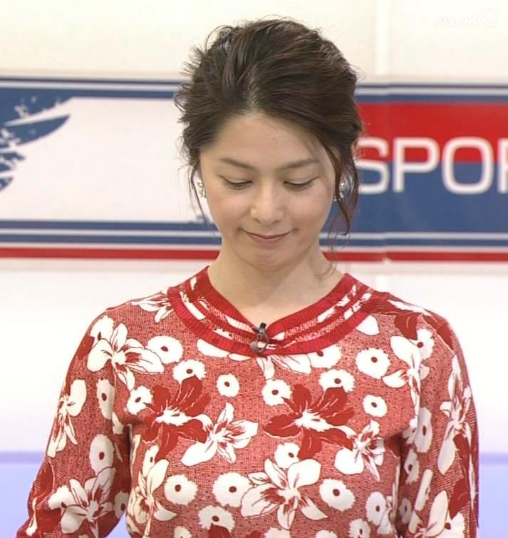 杉浦友紀 花柄の服は巨乳が目立ちにくいキャプ画像(エロ・アイコラ画像)