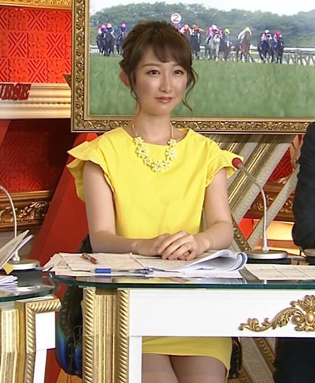 竹上萌奈 太ももを過激に露出してテレ東の競馬番組に対抗してそうキャプ画像(エロ・アイコラ画像)
