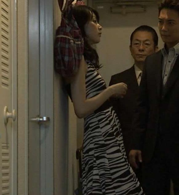 佐藤めぐみ 小さいけどエロい衣装のおっぱいキャプ画像(エロ・アイコラ画像)