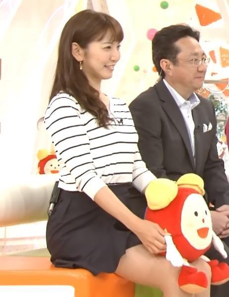 小澤陽子 短パンで美脚太ももを披露キャプ画像(エロ・アイコラ画像)