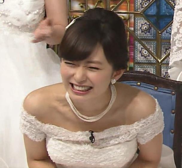 伊藤綾子 セクシードレス画像3