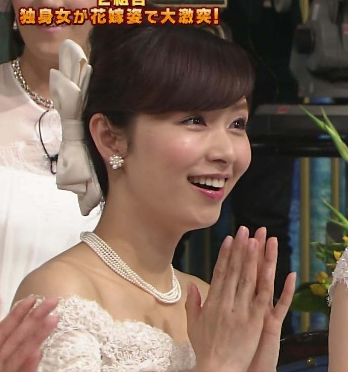 伊藤綾子 セクシードレス画像7