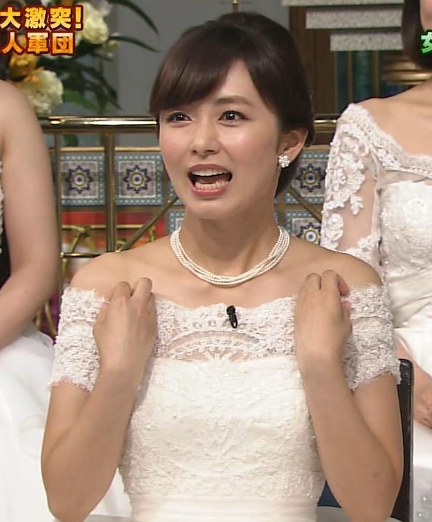 伊藤綾子 セクシードレス画像8