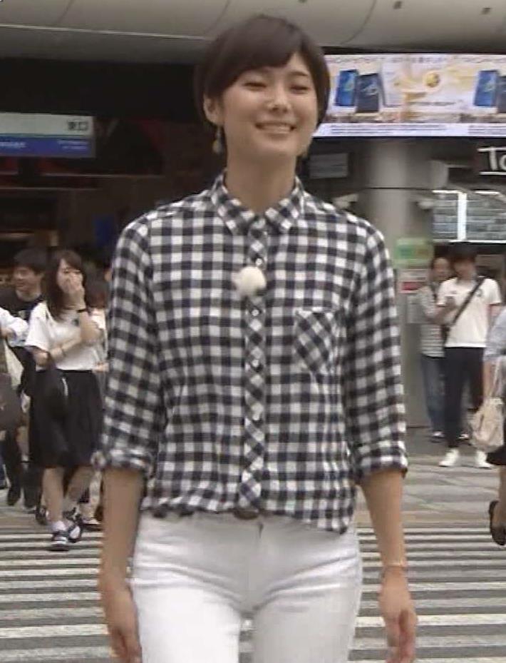 小林由未子 白いピタパンの股間がエロいキャプ画像(エロ・アイコラ画像)