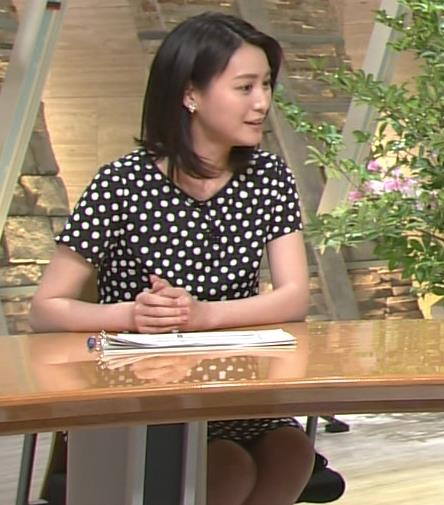 小川彩佳 太もも画像8