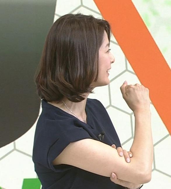 杉浦友紀 白い二の腕キャプ画像(エロ・アイコラ画像)