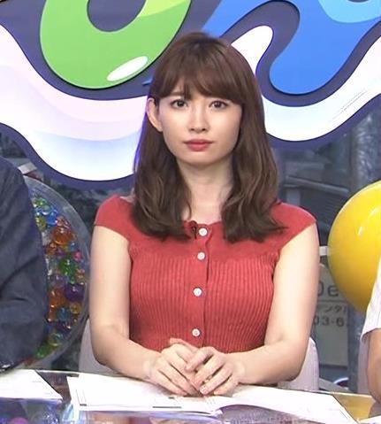 小嶋陽菜 胸のふくらみがエロい赤のワンピースキャプ画像(エロ・アイコラ画像)