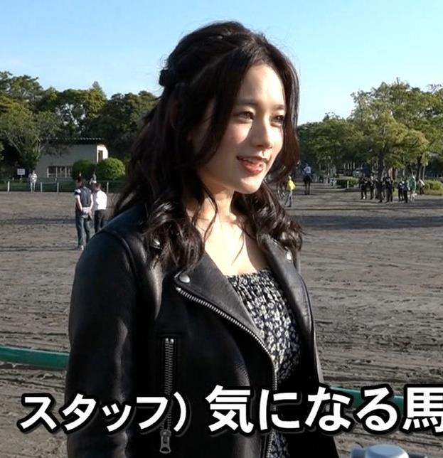 筧美和子 ジャケット着ても巨乳だとわかるキャプ画像(エロ・アイコラ画像)