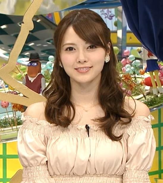 白石麻衣 少し胸が大きく見える衣装キャプ画像(エロ・アイコラ画像)