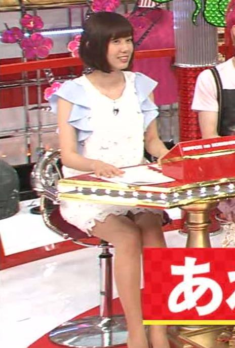 山崎夕貴 ミニスカ、パンチラ狙いの座席配置キャプ画像(エロ・アイコラ画像)
