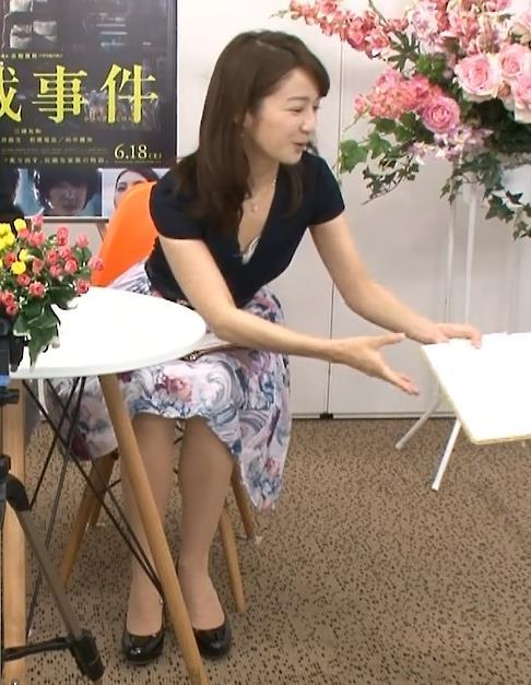 長野美郷 胸チラ、ワキ、横乳、ミニスカ太ももが見えた「めざましどようび」キャプ画像(エロ・アイコラ画像)