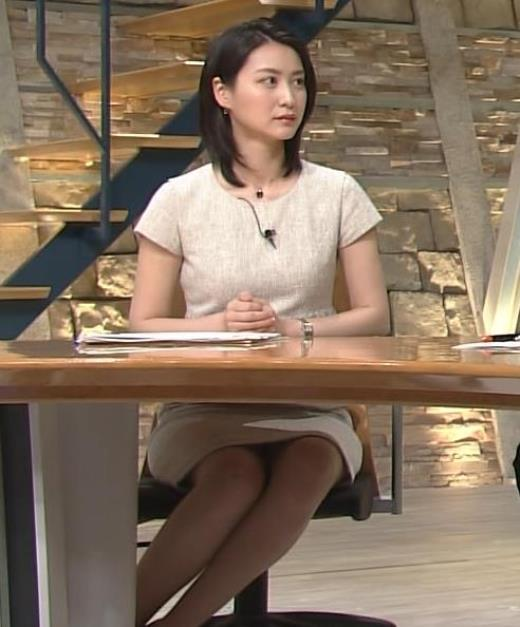 小川彩佳 美人アナのミニスカデルタゾーンキャプ画像(エロ・アイコラ画像)