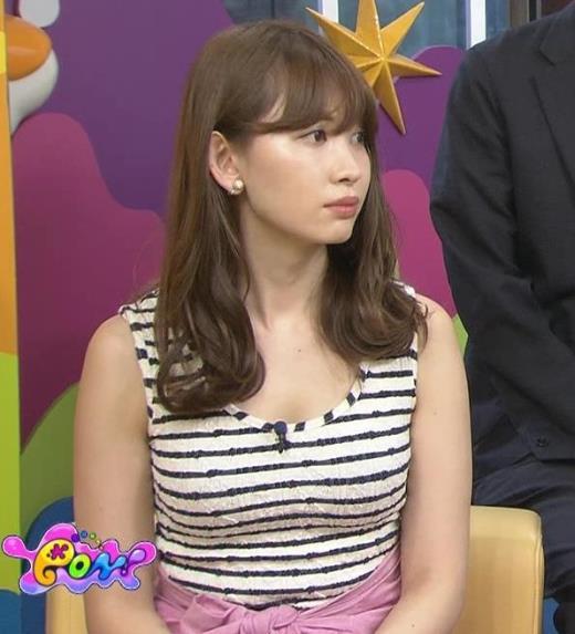 小嶋陽菜 ボーダーの服は体のラインがわかりやすいキャプ画像(エロ・アイコラ画像)