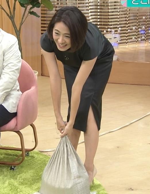 椿原慶子 長めのタイトスカートのスリットがちょっとエロいキャプ画像(エロ・アイコラ画像)