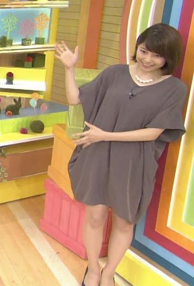 上村彩子 下に着ていないように見えてエロいTBS女子アナキャプ画像(エロ・アイコラ画像)