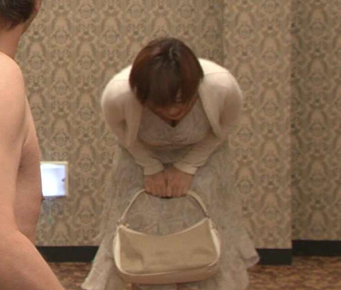 井上和香 ワカパイの谷間チラリ(GIF動画あり)キャプ画像(エロ・アイコラ画像)