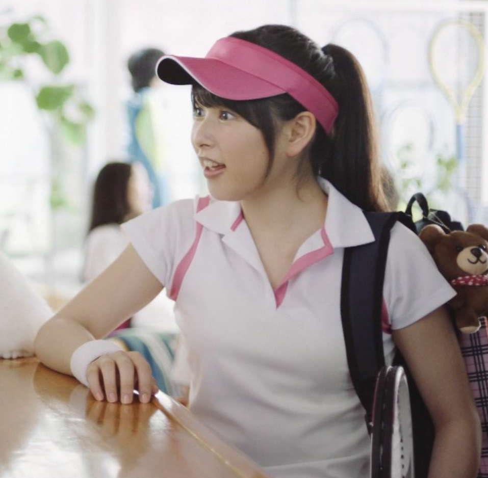 桜井日奈子 テニスウェア姿がエロかわいいCMキャプ画像(エロ・アイコラ画像)