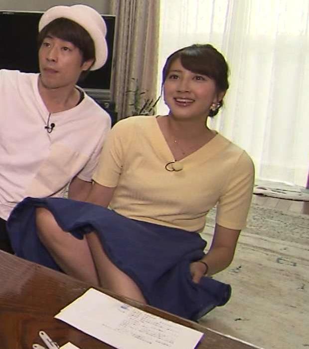 山﨑萌絵 かわいいローカルアナのミニスカから脚がチラリ&横乳キャプ画像(エロ・アイコラ画像)