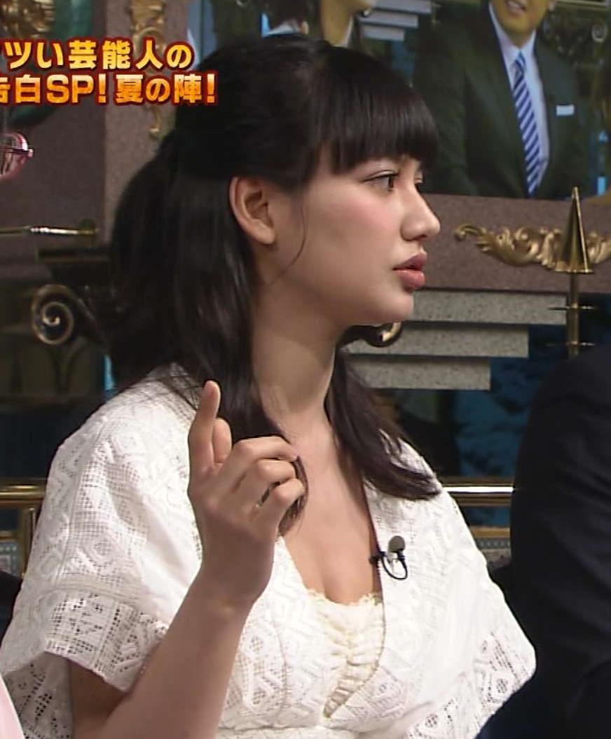 佐藤エリ non-noモデルがさんま御殿で胸の谷間強調キャプ画像(エロ・アイコラ画像)