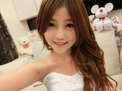 台湾美少女栄養士 Remin-高敏敏 自分撮り画像 1