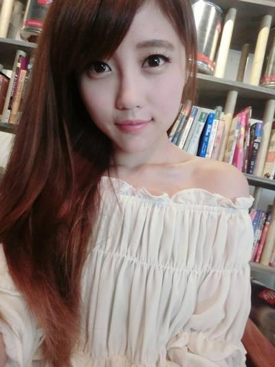台湾美少女栄養士 Remin-高敏敏 自分撮り画像 7