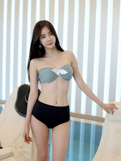 韓国美女モデル Seo Jin セクシービキニ画像 3