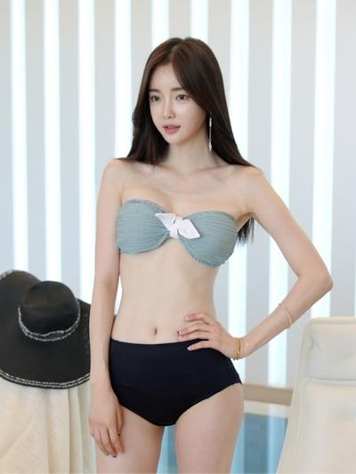 韓国美女モデル Seo Jin セクシービキニ画像 4