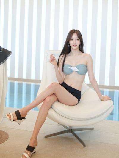 韓国美女モデル Seo Jin セクシービキニ画像 5