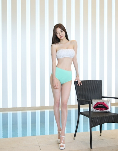 韓国美女モデル Seo Jin セクシービキニ画像 9